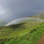 Regenbogen im Vorderrheintal (Schweiz)